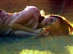 人只能活一次,千万别活得太累。