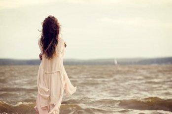 一生最珍贵的是,放空的心和独走的路