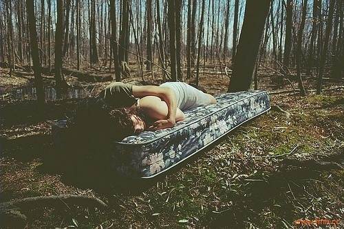 哪有人喜欢孤独,不过是受够了失望。