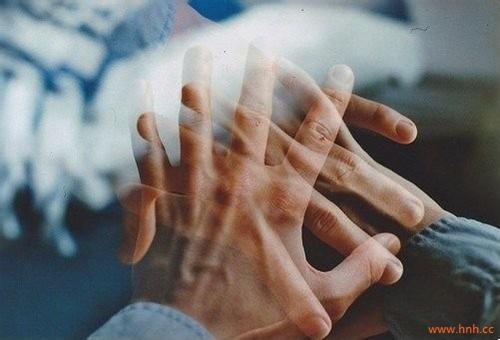 没心没肺活不累,有心有肺窝囊废。