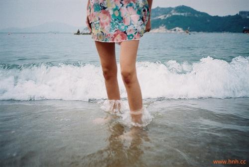 爱是画地为牢,等你,是我唯一的姿态。