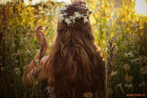 喜欢童话,是因为把它当成了童年。