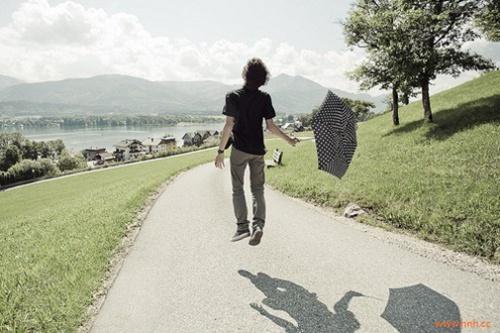 你的心里有一面墙,推开就能看见天堂.